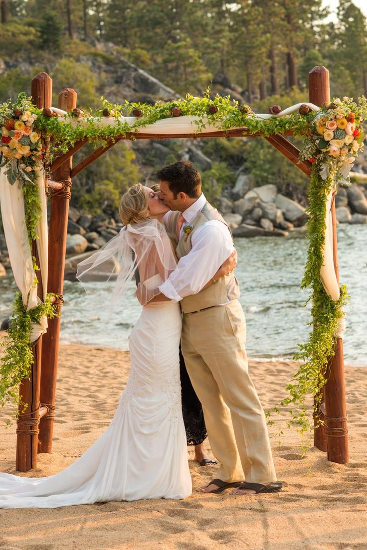 Round Hill Pines Beach Resort Weddings | Get Prices for Lake Tahoe Wedding Venues in Zephyr Cove, NV