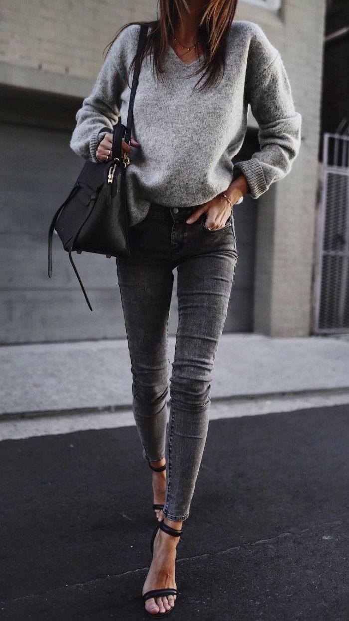 traje de otoño idea_grey suéter skinny jeans tacones bolso