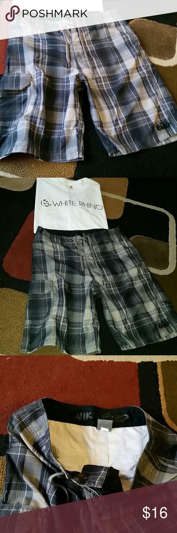 Nike 6.0 board/skate shorts size 30 Medium Like new, size 30 waist board style shorts, no liner Nike Shorts Athletic