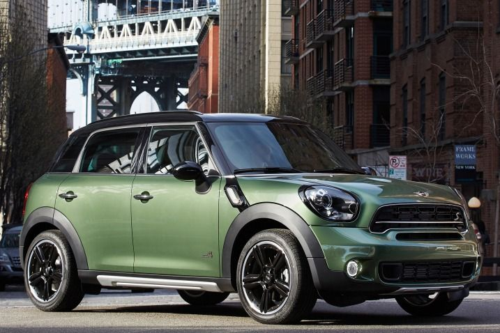 If you have always liked the Mini Cooper but needed something roomier to suit your lifestyle, the Mini Countryman is bound to be appealing.