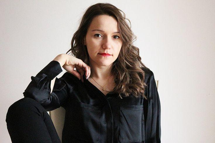 Гардероб минималиста: как я выбираю вещи.Шелковая рубашка #минимализм #стильныйобраз #стильныйлук #модныйобраз #модныйлук #стильныйнаряд #стиль #мода #монохромный #броги #чернаярубашка #бронд #русый #минималистичный #элегантный #гарсон #tomboy #minimalism #minimal #chic #frenchstyle #silkshirt #brogues #allblack #totalblack #darkblonde #bronde #французскийстиль #wearnissage