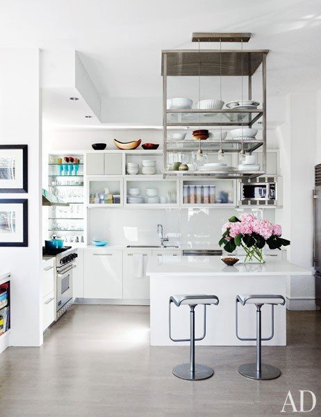 Julianna Margulies's Manhattan kitchenOpen Shelves, Architectural Digest, Small Kitchens, New York Apartments, Architecture Digest, Julianna Margulies, Manhattan Apartment, Apartments Kitchens, White Kitchens