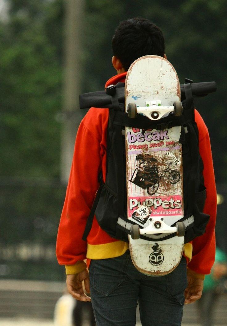 skateboard bag nice