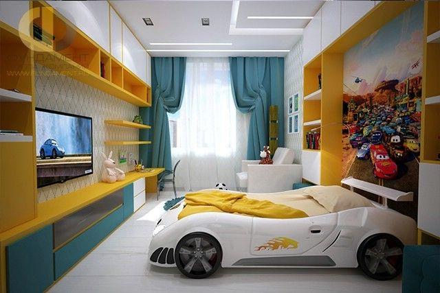 Дизайн детской 12 кв. м с кроватью в виде машины. Фото 2017