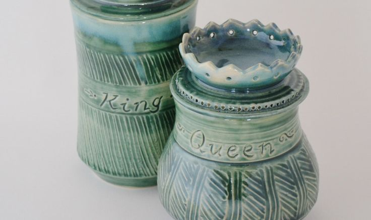 Royal Tea Mug Queen Lidded Mug, Green Ceramic Mug with Lid for Storing Tea Bag, Made to Order by sarahwelchpottery on Etsy https://www.etsy.com/listing/215631894/royal-tea-mug-queen-lidded-mug-green