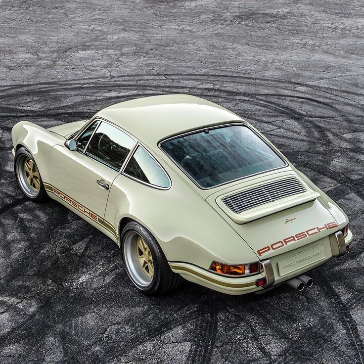 PORSCHE 911 by Singer (Instagram @singervehicledesign)
