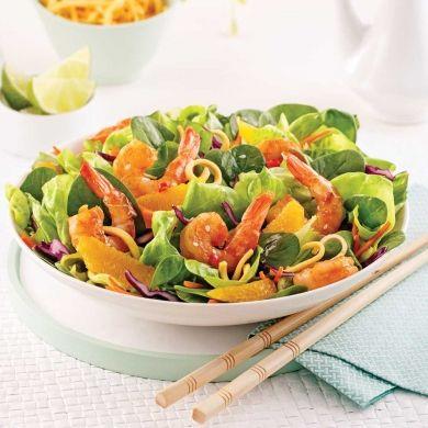 Salade asiatique aux crevettes et nouilles frites - Recettes - Cuisine et nutrition - Pratico Pratique