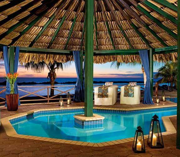 Sunscape Curaçao     Parcs aquatiques, cours de cirque et plus encore. Jeunes et adultes trouveront tout ce qu'ils désirent dans ces hôtels familiaux des Caraïbes.