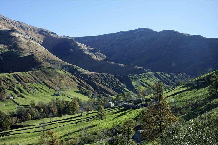 Valle de Lunada, Pueblo de San Roque de  Riomiera, Cantabria, España. http://alberguealtomiera.wordpress.com  https://www.facebook.com/agroturismoaltomiera #alberguealtomiera #cantabria #travel #spain +34 616245761