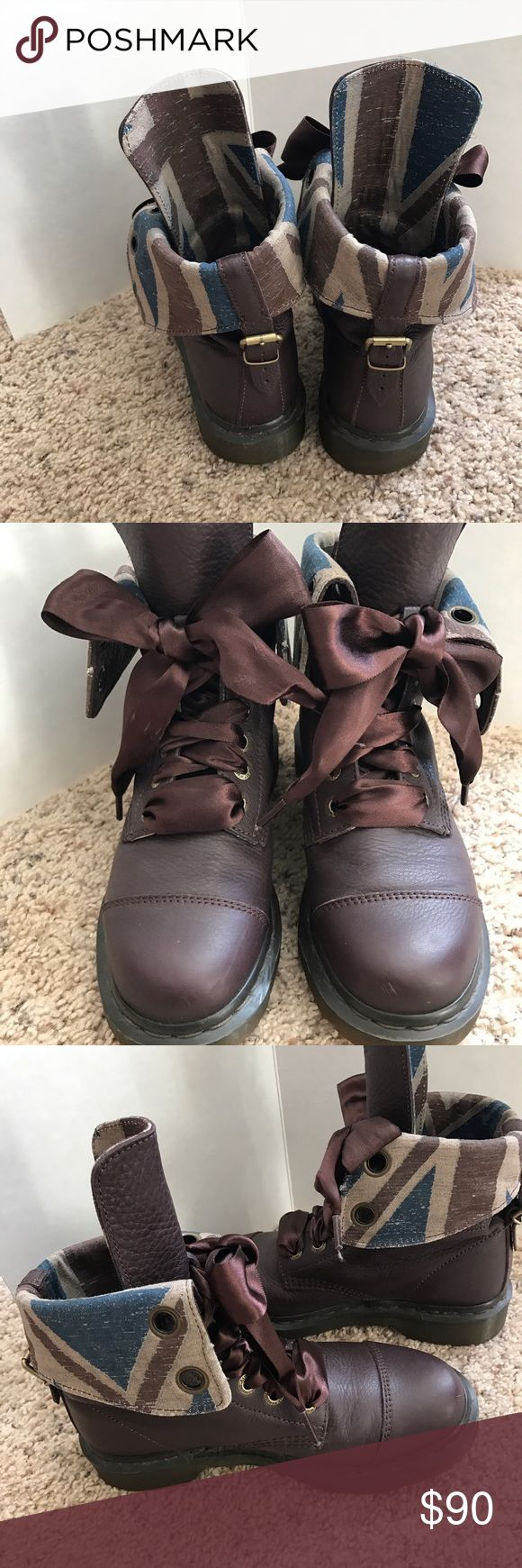 """Dr Martins """"Aimilie"""" boot 9 hole Fold Down  US 7 m Excellent very little wear Dr. Martens Shoes Ankle Boots & Booties"""