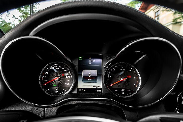 New Mercedes C class instrument cluster #mercedes #instruments #c220 see more: http://premiummoto.pl/12/11/mercedes-benz-c220-bluetec-galeria