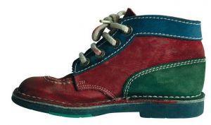 1990 Kickers shoes. OMG! Volgens mij had ik ook zoiets. UGLY!