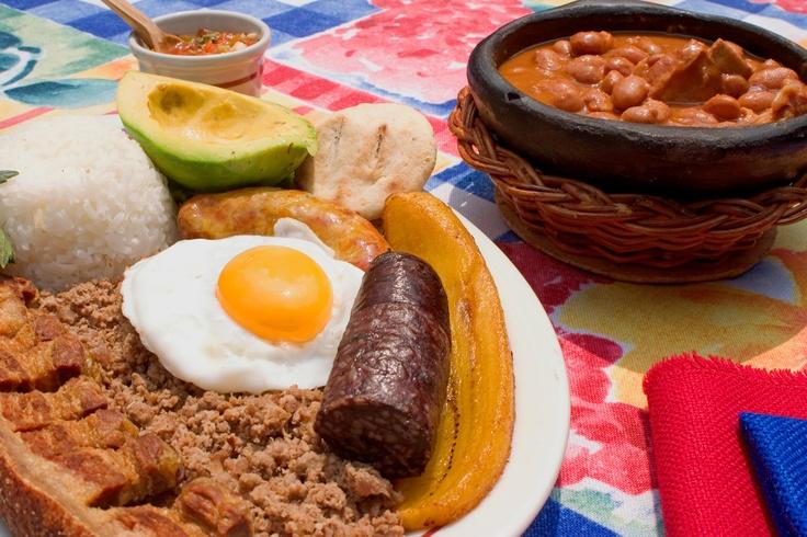 Bandeja Paisa #Gastronomía Colombiana