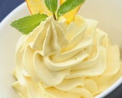 Mousse légère d'ananas1 ananas frais 3 blancs d'oeufs 1 c. à café de canne