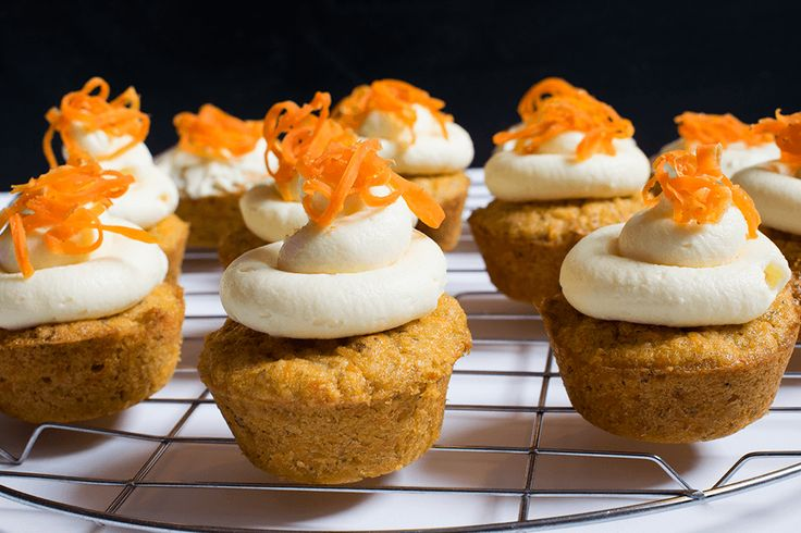 Carrot Cupcakes mit Cheesecake Frosting