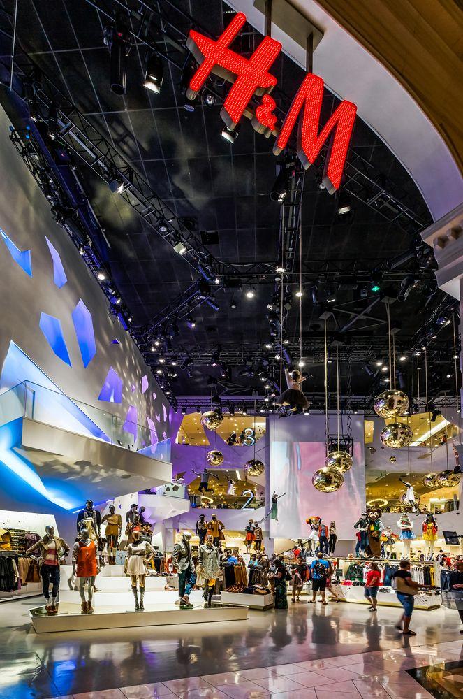 El #CaesarPalace es uno de los sitios emblemáticos de #LasVegas, donde el lujo  el glamour convive en cada rincón.  http://www.bestday.com.mx/Las-Vegas-area-Nevada/ReservaHoteles/
