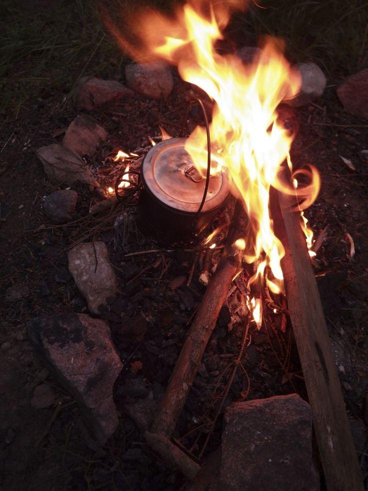 Chorizo gryde over bål