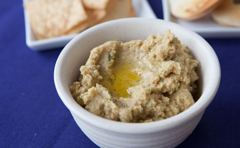 Epicure's Roasted Garlic Hummus