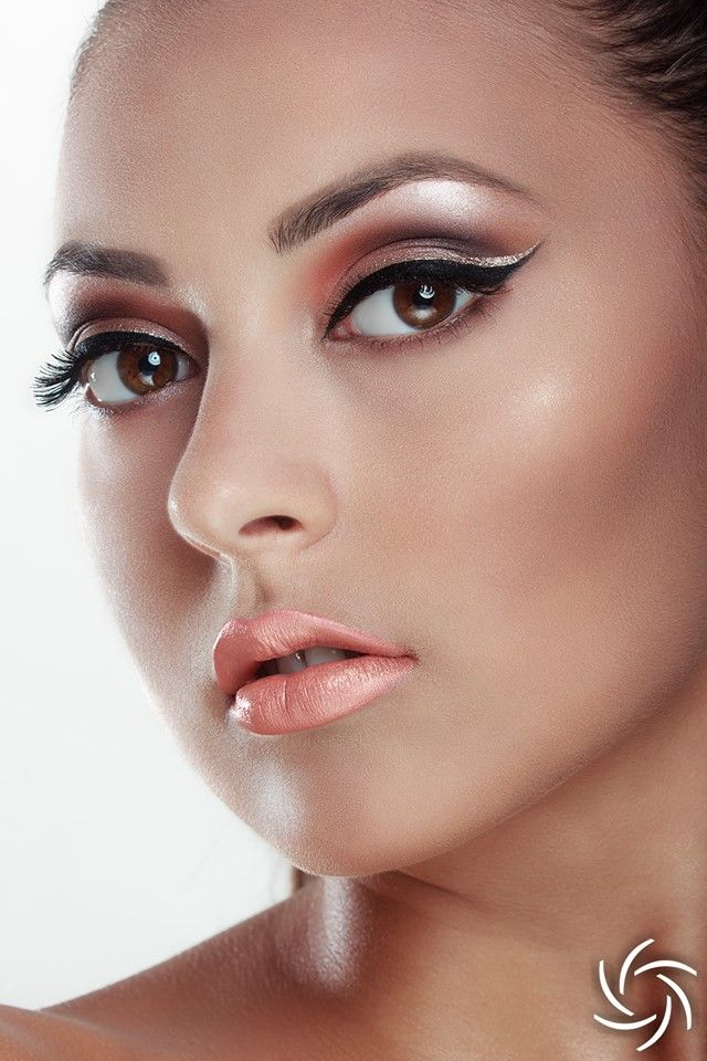 Bride makeup, glam Photo : Daniel Puscau Retouch : Teodora Dimitrova