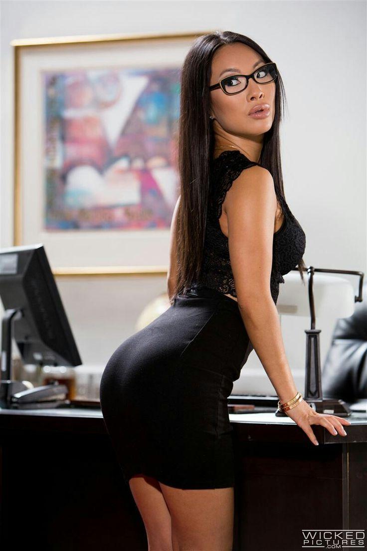 аса акира секретарша порно фото