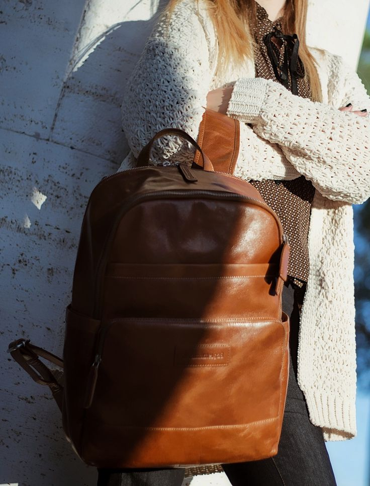Come abbinare lo zaino  How to wear the backpack  http://www.dressingandtoppings.com/2018/01/12/come-abbinare-lo-zaino/    #zaino #backpacks #blogger #fashion #fashionblogger #outfit #look #ootd #sweater #dbramante1928 #leatherbag #leather #winterstyle #dressing&toppings #rome #casualchic #casual #daylook