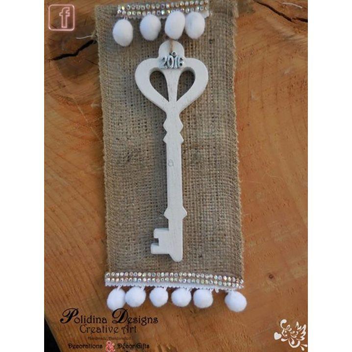 """Κλειδί –γουράκι !!!✨✨ handmade & σε πολύ οικονομική τιμή!!!!  Για να ξεκλειδώσουμε ..ένα καλύτερο 2016!!!!  `⋎´✫¸.•°*""""˜˜""""*°•✫Polidina Designs✫ https://www.facebook.com/Polidina-Designs-1488207074815220/"""