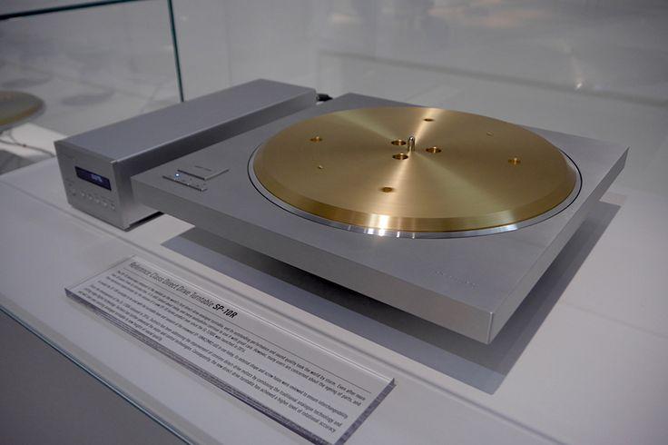 Nun können Sie sich vom neuesten Zugang zur Technics-Familie überzeugen. Wir präsentieren Ihnen den Technics Plattenspieler SP-10R.