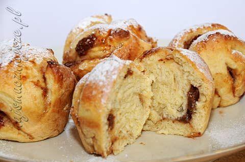 muffiny drożdżowe z budyniem