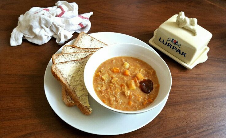 A good, hearty Corned Beef Soup that'll heat you up from the inside out: http://thefatfoodie.co.uk/2016/11/27/a-hearty-corned-beef-soup/ #thefatfoodie #soup #cornedbeef #dinner #lunch