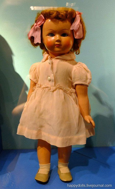 "Кукла ""Лена"". Е. Борисова. Москва. Фабрика им. 8 Марта. 1950-е гг. Древесно-опилочная масса, ткань."