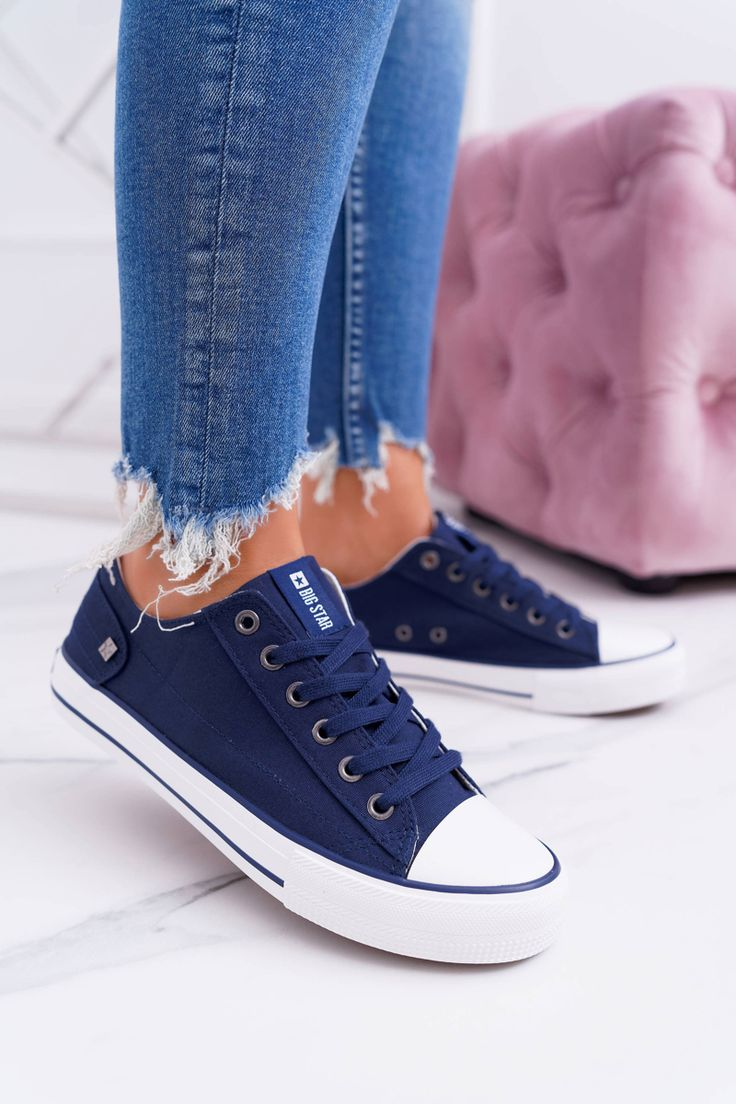 Klasicke Damske Tenisky V Modrej Farbe In 2020 Sneakers Chucks Converse Chuck Taylor Sneakers