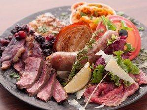 """肉パスタに肉ピザ…ひたすら""""肉""""を味わう隠れ家レストラン「TRATTORIA CARNELLINA」湯島にオープン!"""