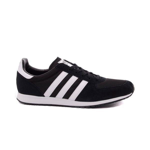 Sepatu Casual Adidas Originals Adistar Racer NC V22769 adalah sepatu retro running yang ringan, rendah dan ramping. Harga sepatu ini Rp 849.000.
