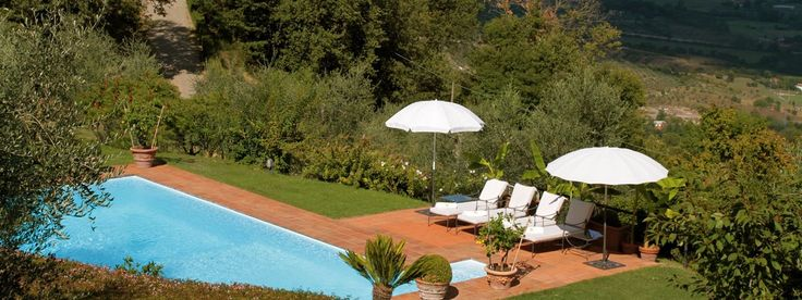 For more active-minded guests in Villa Napoleone and Villa Paolina, an invigorating swim or a walk through the splendid Tuscan countryside can be the crowning of an idyllic vacation day.