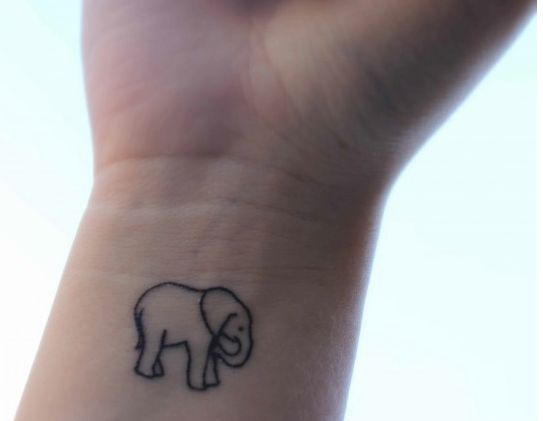 25 best ideas about little elephant tattoos on pinterest. Black Bedroom Furniture Sets. Home Design Ideas