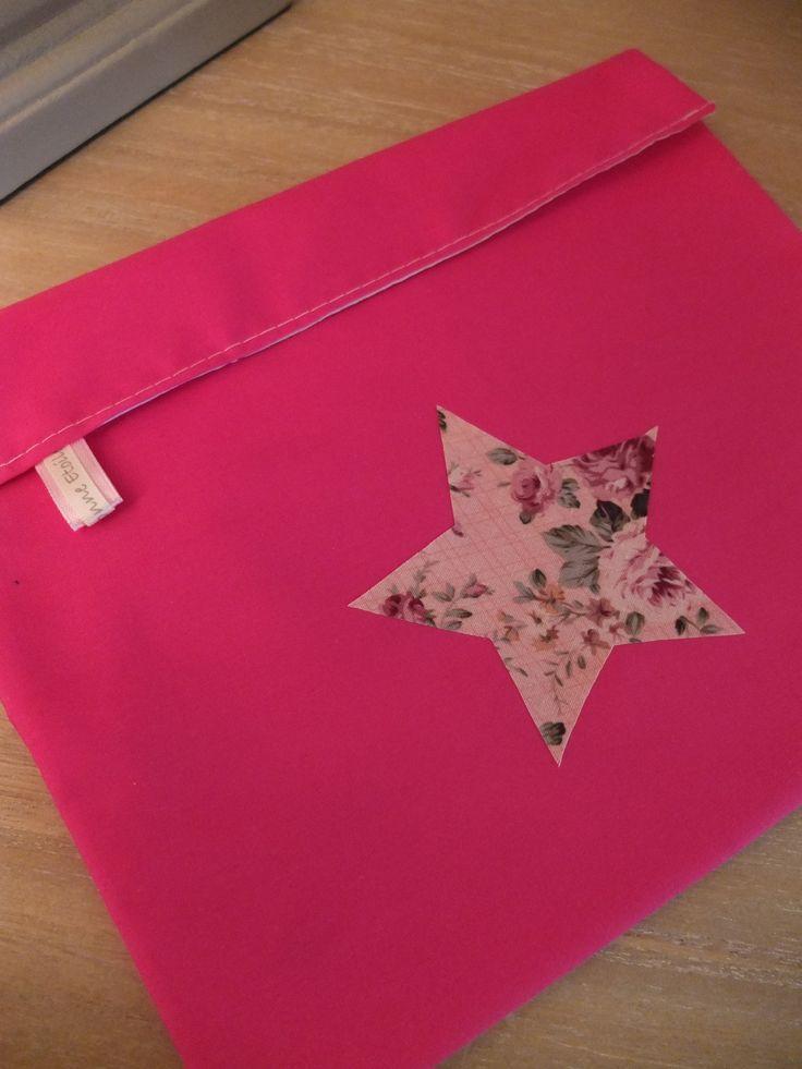 www.facebook.com/Ma.Bonne.Etoile.fr Création de trousses et pochettes pour petits et grands et pour des cadeaux originaux !