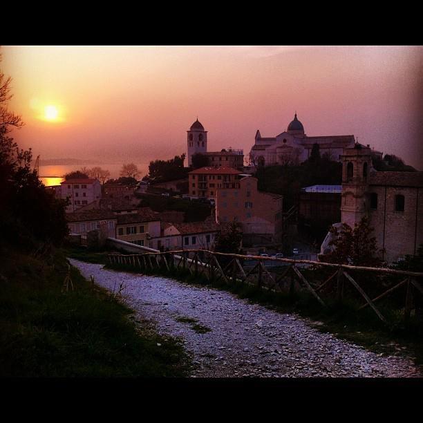 Magnifico tramonto dal Parco del Cardeto: il più vasto parco urbano di Ancona