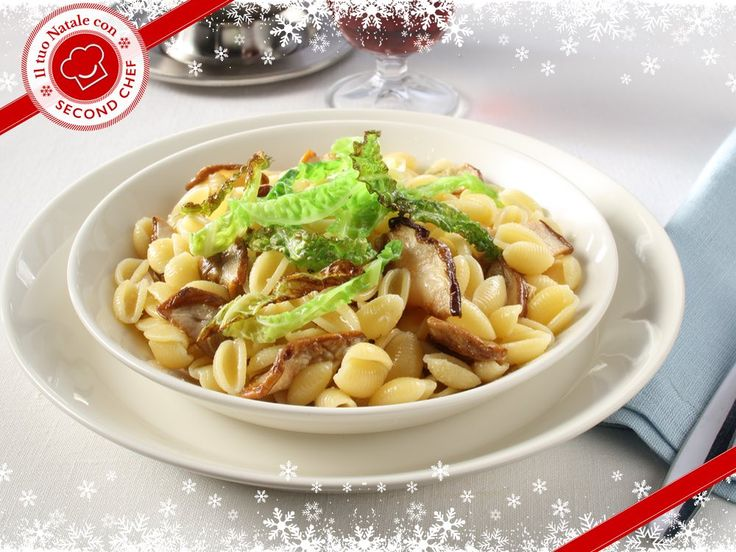 Per Natale hai una cena speciale in programma e non sai cosa cucinare? Ci pensa #Second_Chef! Prova gli Gnocchetti sardi con ragù di funghi e cavolo verza! INGREDIENTI: -Aglio -Gnocchi sardi -Fantasia di funghi -Cavolo verza -Parmigiano reggiano Per scoprire l'intera #ricetta clicca quihttp://rebrand.ly/gnocchettisardiconragu  #incucinaconsecondchef  #eat #cucina #food #ricette