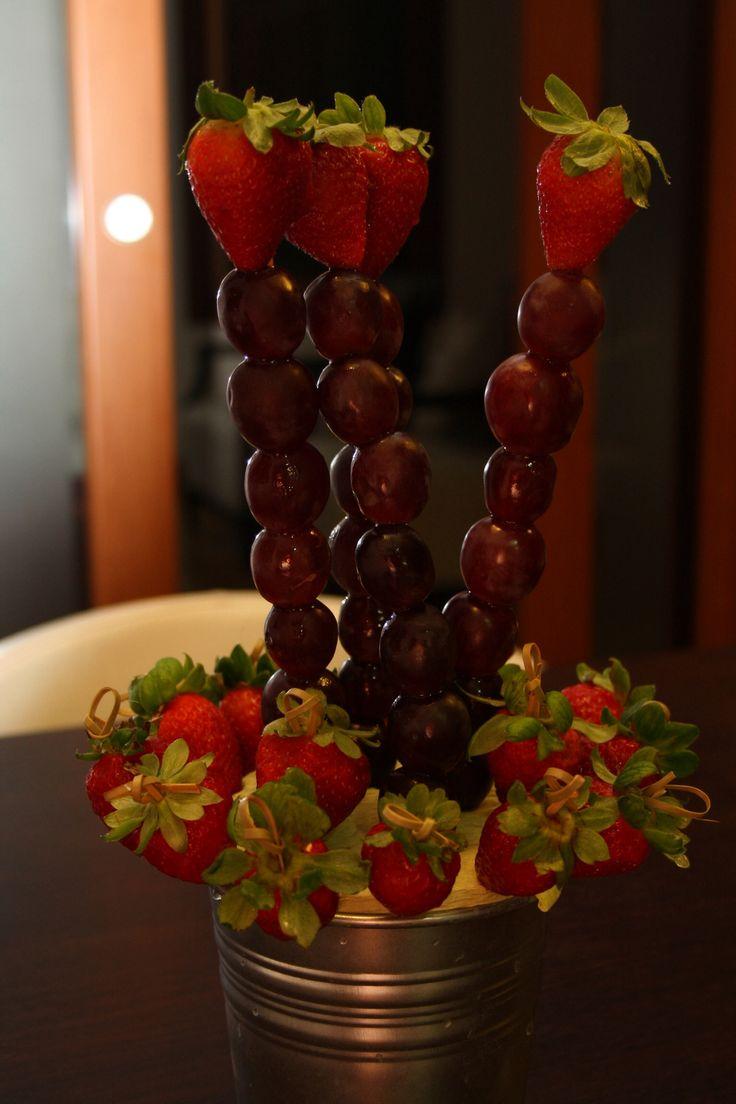 124 best Frutas images on Pinterest | Desserts, Fruit arrangements ...
