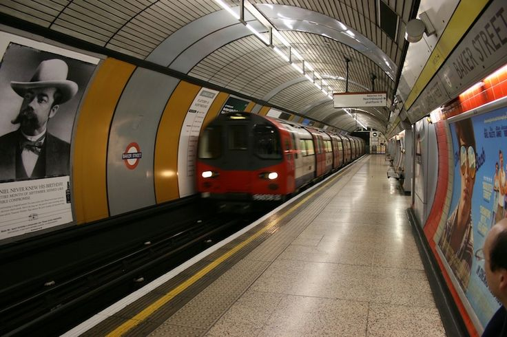 London Underground | Attribution:  Alexandria, Pixabay, CC0 1.0 | #Tags: Architecture, Best Of British, Quintessentially British, Great Britain, United Kingdom