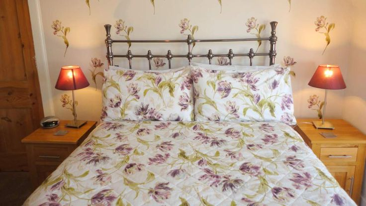 Brighton House B&B in Nairn, Scotland's Best B&Bs #brightonhouse #nairn #scotland #bedandbreakfast #bed #bedroom #besdteal #floral #purple #bedlinen
