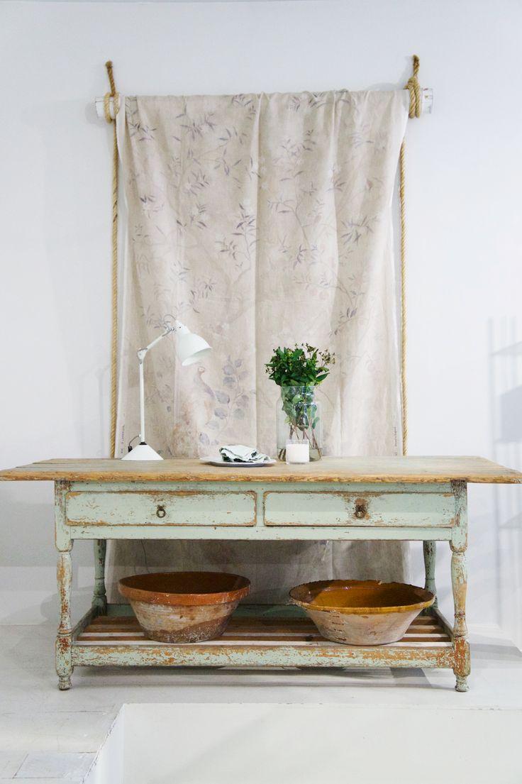 Vintage dreams . . .  #casuarina #casuarinastore #casuarinacollection #vintage #homedecor #homedecoration #decoration #interiordesign #interior #interiors #home #homedesign #homestyle