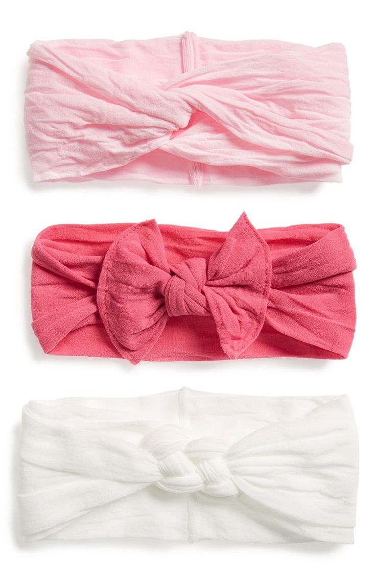 Absolutely adoring this pack of stretchy headbands with cute knots for a finishing touch on the little one.