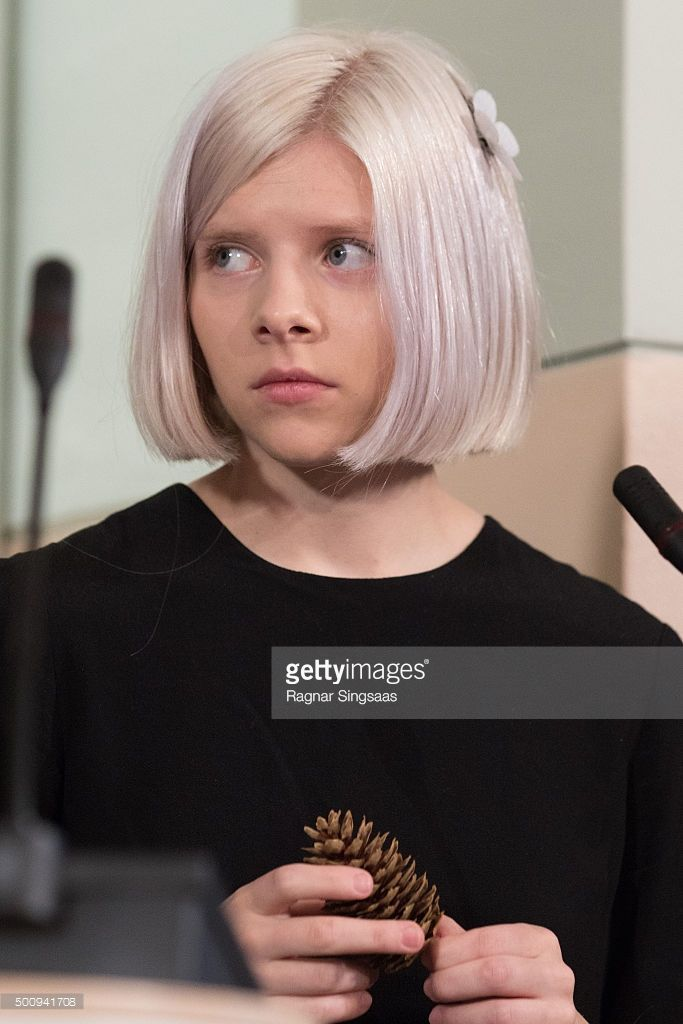aurora singer | Singer-songwriter Aurora Aksnes attends the Nobel Peace Prize Press ...
