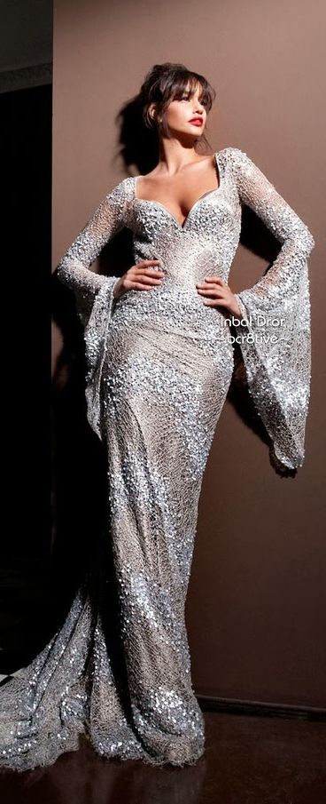 Inbal Dror Haute Couture.  Sparkly, Sexy & Beauty..What an awesome gown..K♥♥♥♥♥