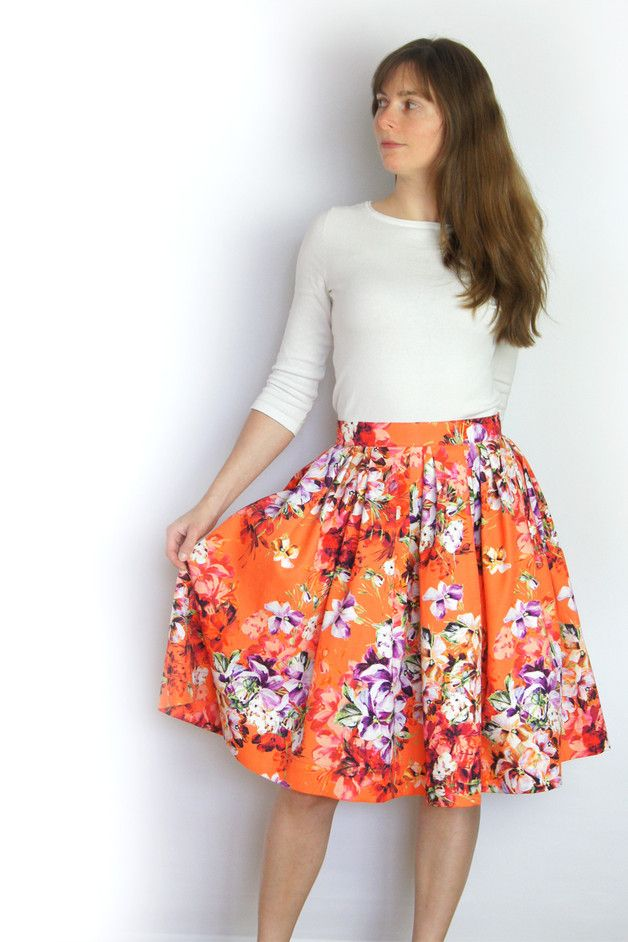 Sommerlicher Faltenrock in kräftigem Orange mit Blumenprint / summery orange plaid skirt with flower pattern made by michaela-bernhard via DaWanda.com