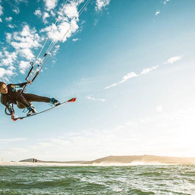 Keep it high // @annelous #kite #annelouslammerts #surf #allboardsports #getonboard #brunotti