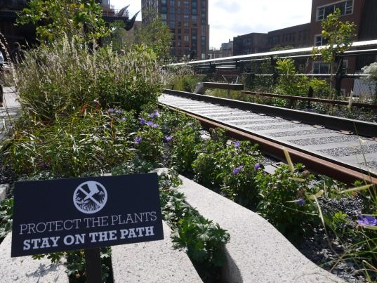 PHOTOS: Iconic High Line Park in NYC Opens Final Section To Pu...