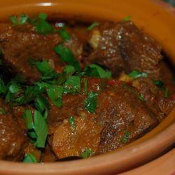 Тушеная говядина в горшочке рецепт | Мастер рецептов