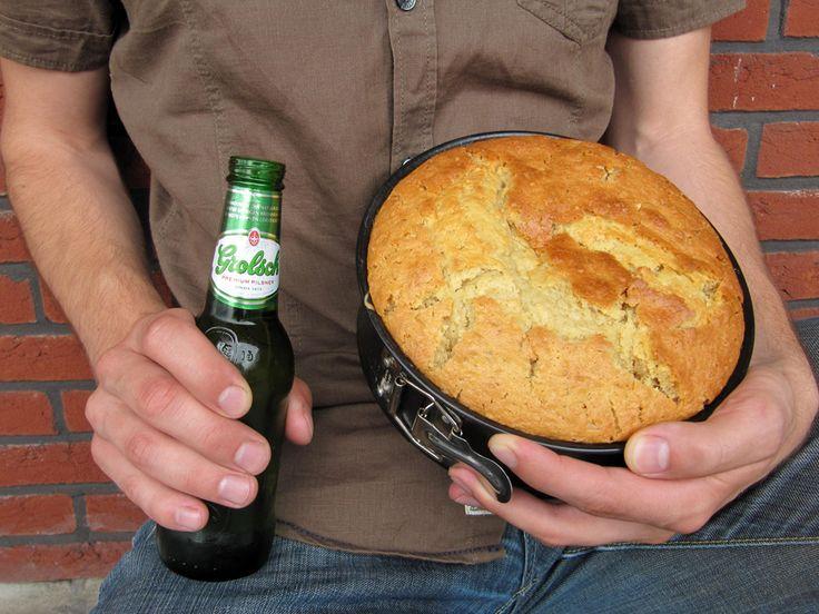 Backen ist männlich! Warum sollte nicht einmal der Mann für den Kuchen sorgen? Unser Rezept für Bierkuchen wird ihn überzeugen.
